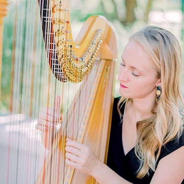 The Wedding Gals #booking #weddings #cocktailhour #weddingceremony #livemusic #weddingplanners #music #love #phoenixweddings #harpist #violin #weddingsongs #lovesongs @elchorroweddings