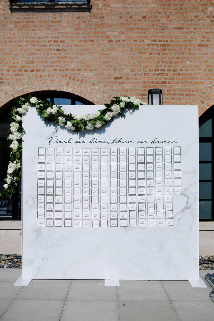 blog post marble escort card wall.jpg