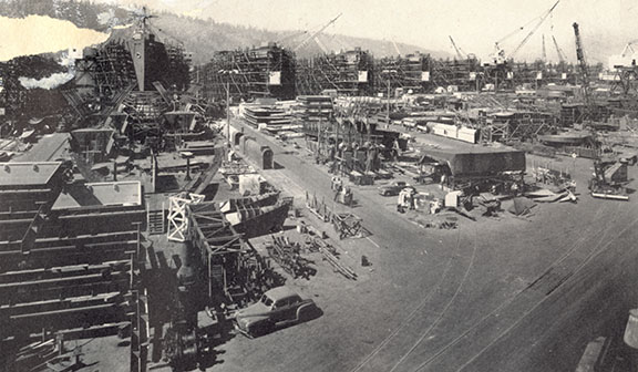 1945_Oregon shipyards_A2004-002.2167.jpg