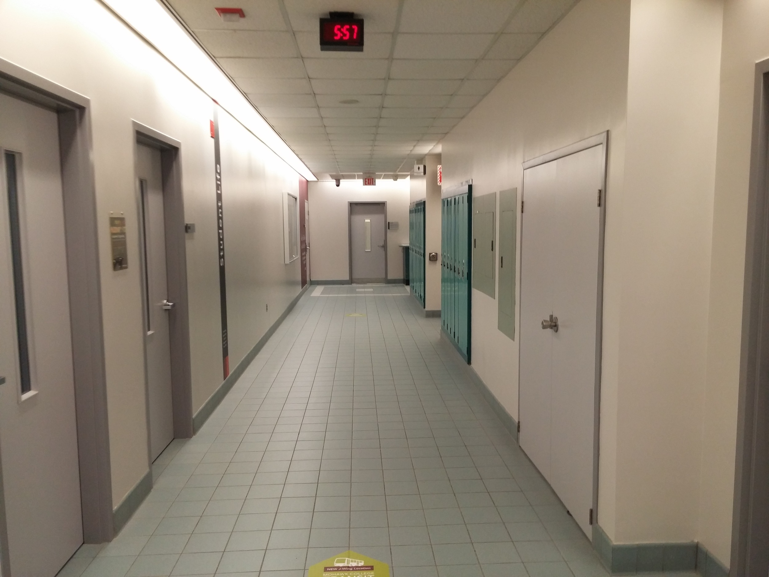 Inside the J-Wing. Note the narrow hallways, but also note the wayfinding.