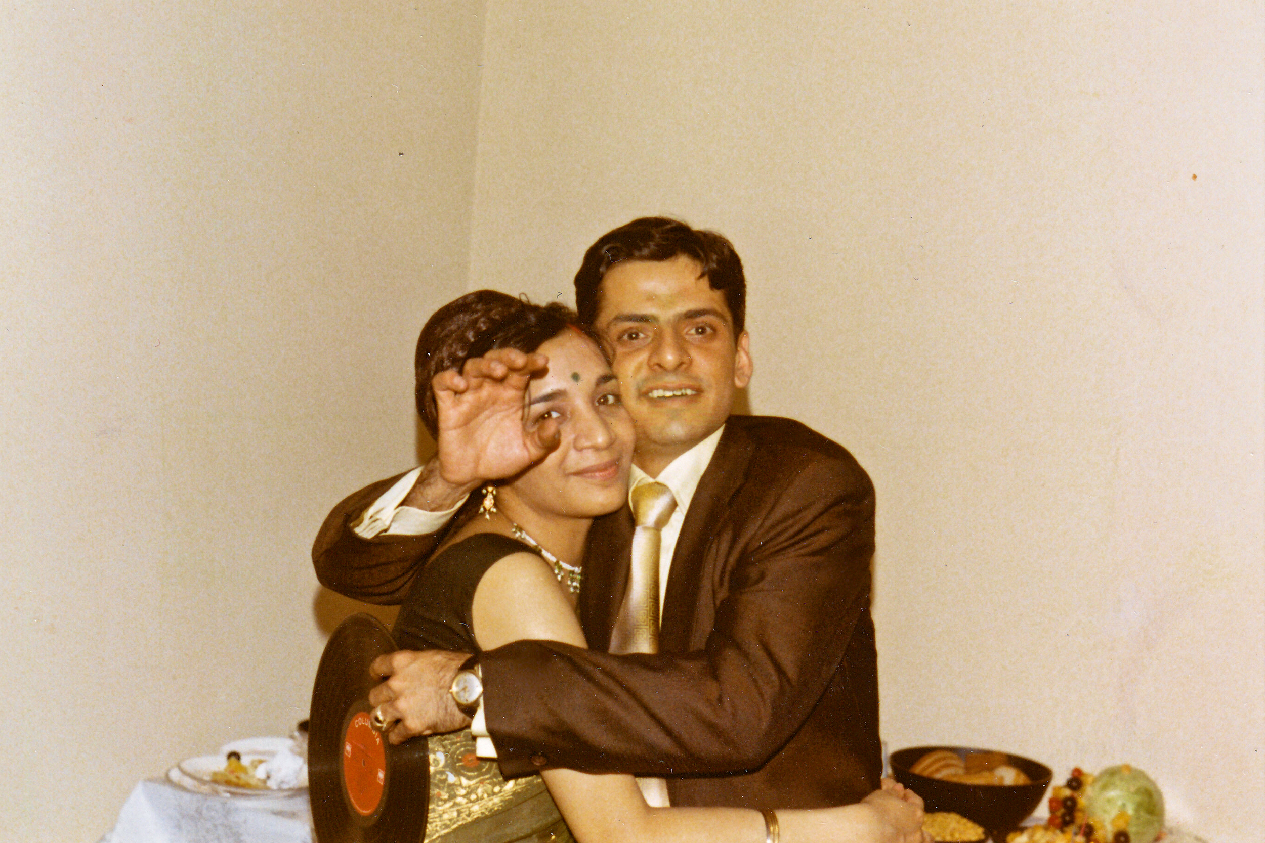 jaya_ranjit_wedding_hug.jpg