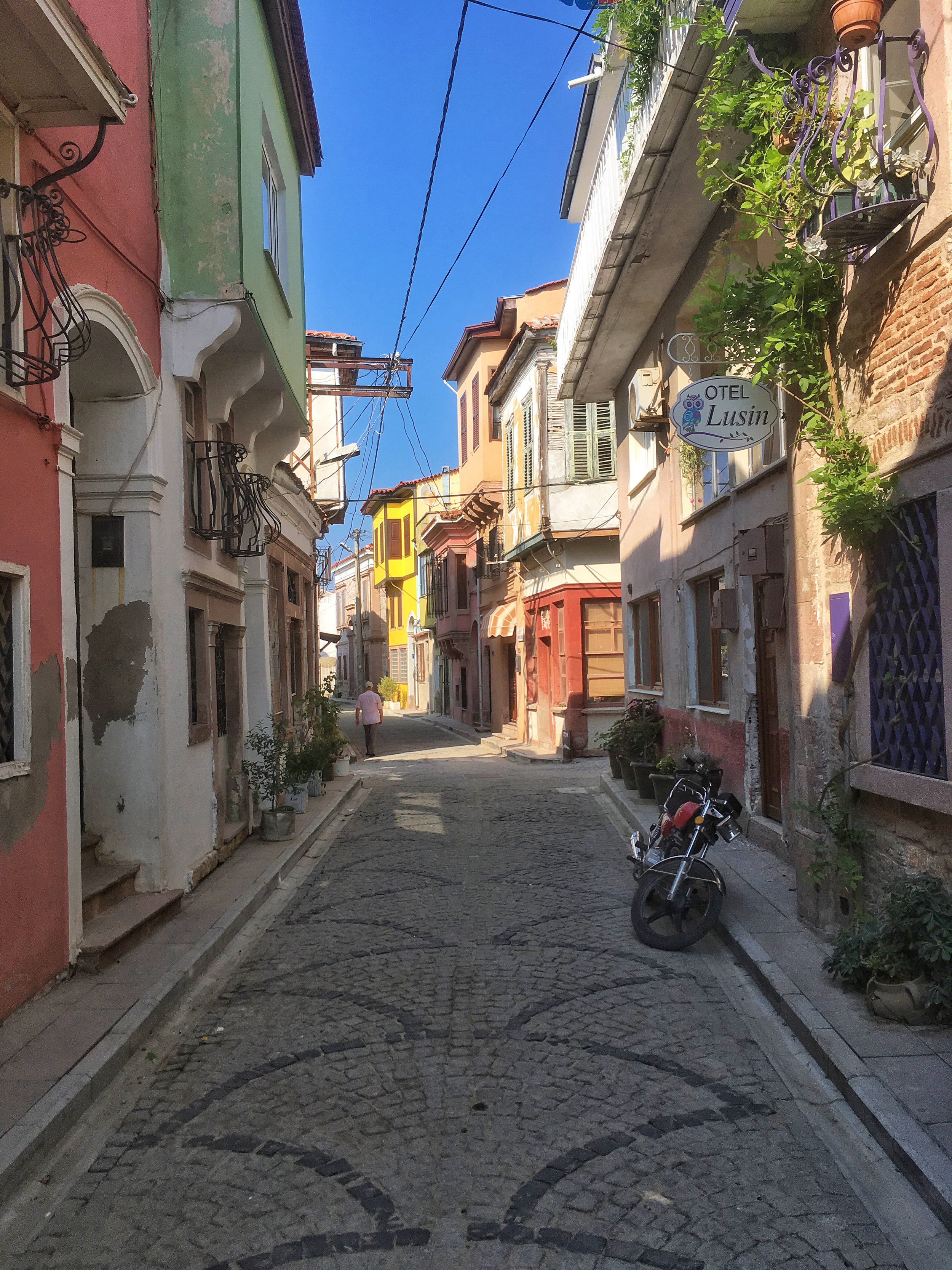 The quiet back streets of Ayvalik's Greek old town