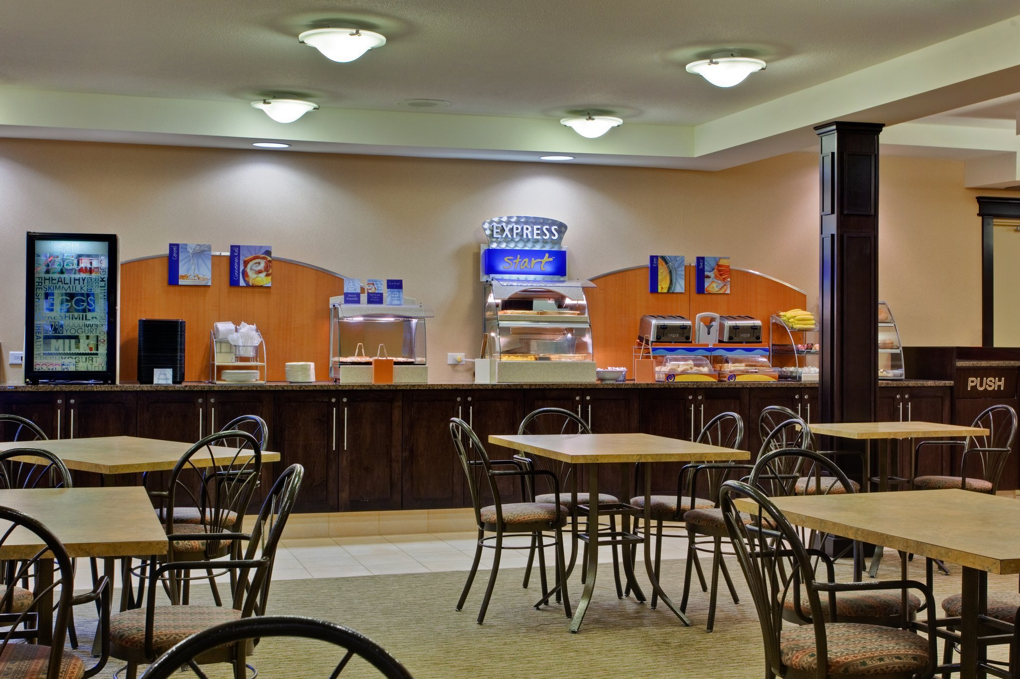 breakfast-bar-area.jpg