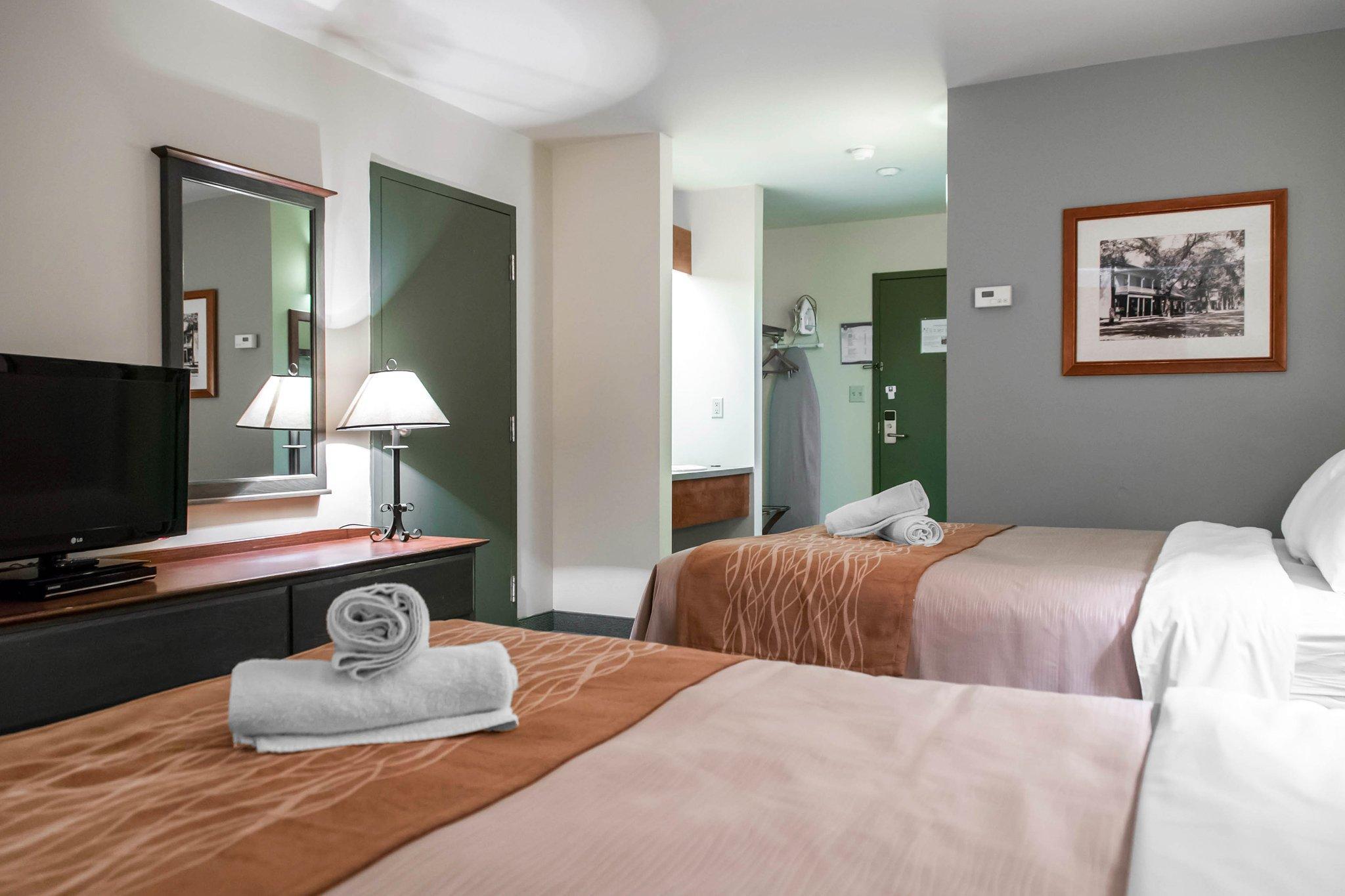 guest-room.jpg