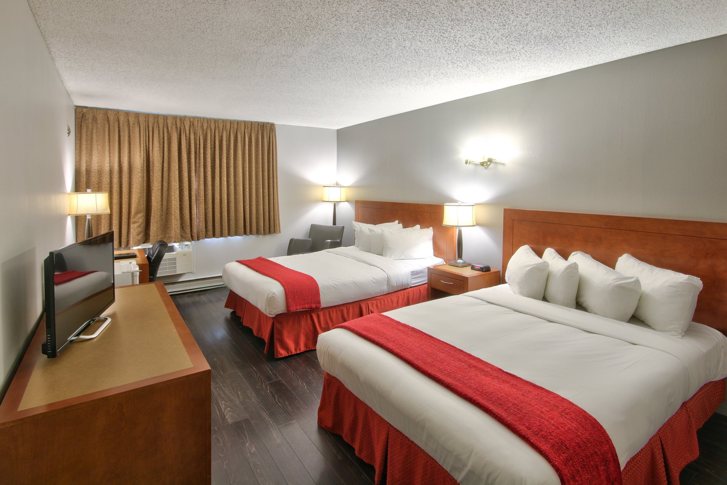 business-2-double-beds.jpg