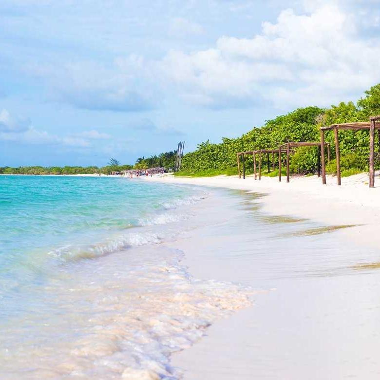 Beach_Cayo_coco_Cuba.jpg