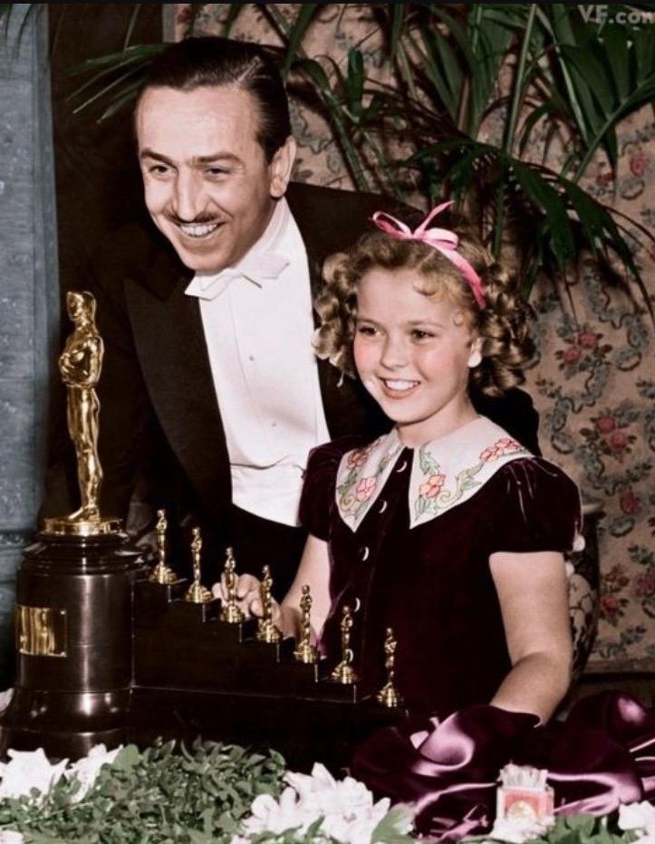 Walt Disney receives Oscar + 7 mini ones!