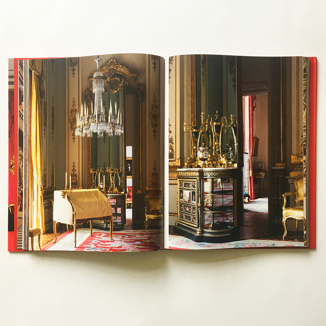 Buckingham_Palace_Ashley_Hicks_95.jpg