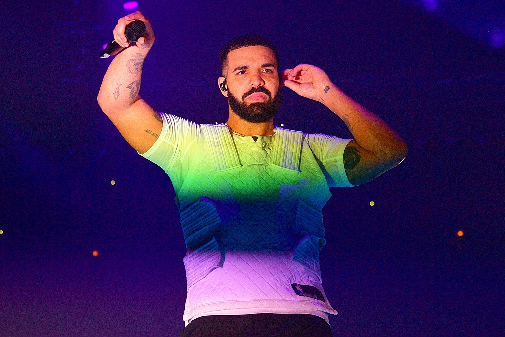 https_%2F%2Fhypebeast.com%2Fimage%2F2018%2F10%2Fdrake-most-top-10-billboard-hot-100-hits-single-one-year-0.jpg