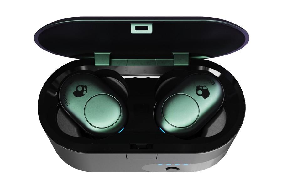 https___hypebeast.com_image_2019_08_7-best-true-wireless-earbuds-apple-samsung-sony-0007.jpg