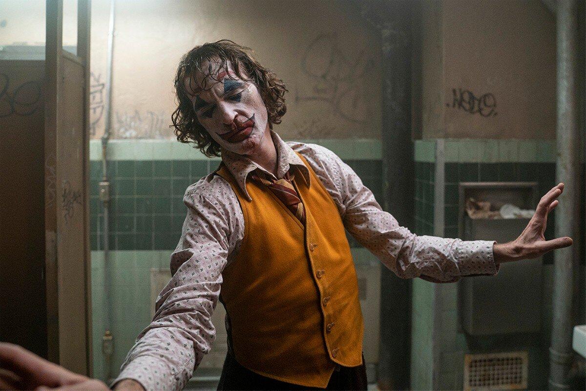 https___hypebeast.com_image_2019_10_joker-opening-weekend-93-million-earning-box-office-0.jpg