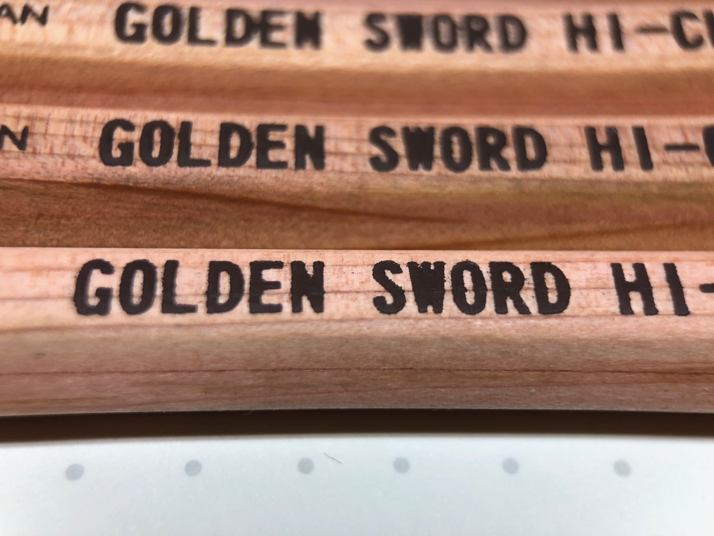 daiso-golden-sword-pencil-5.jpg
