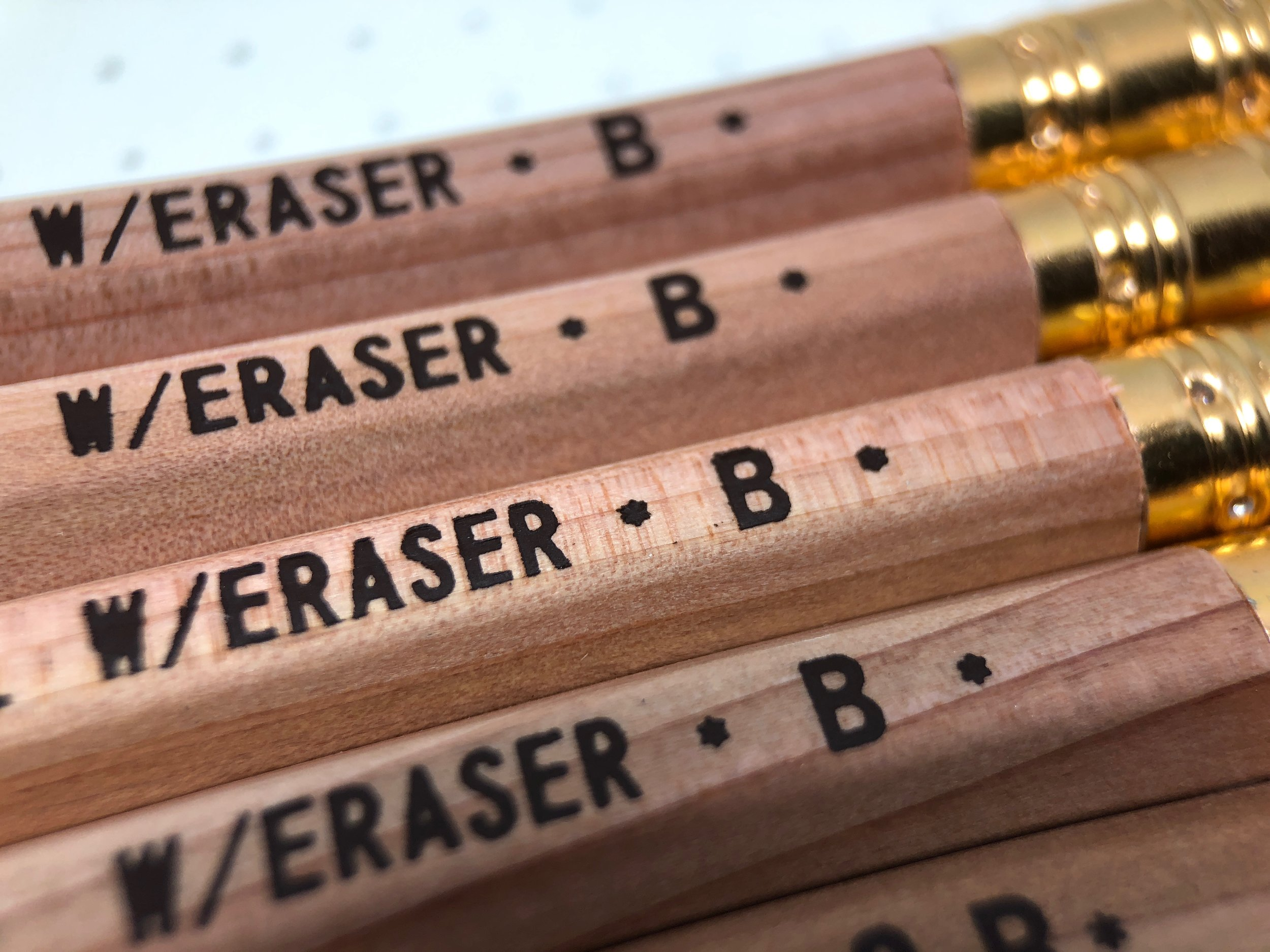 daiso-golden-sword-pencil-7.jpg