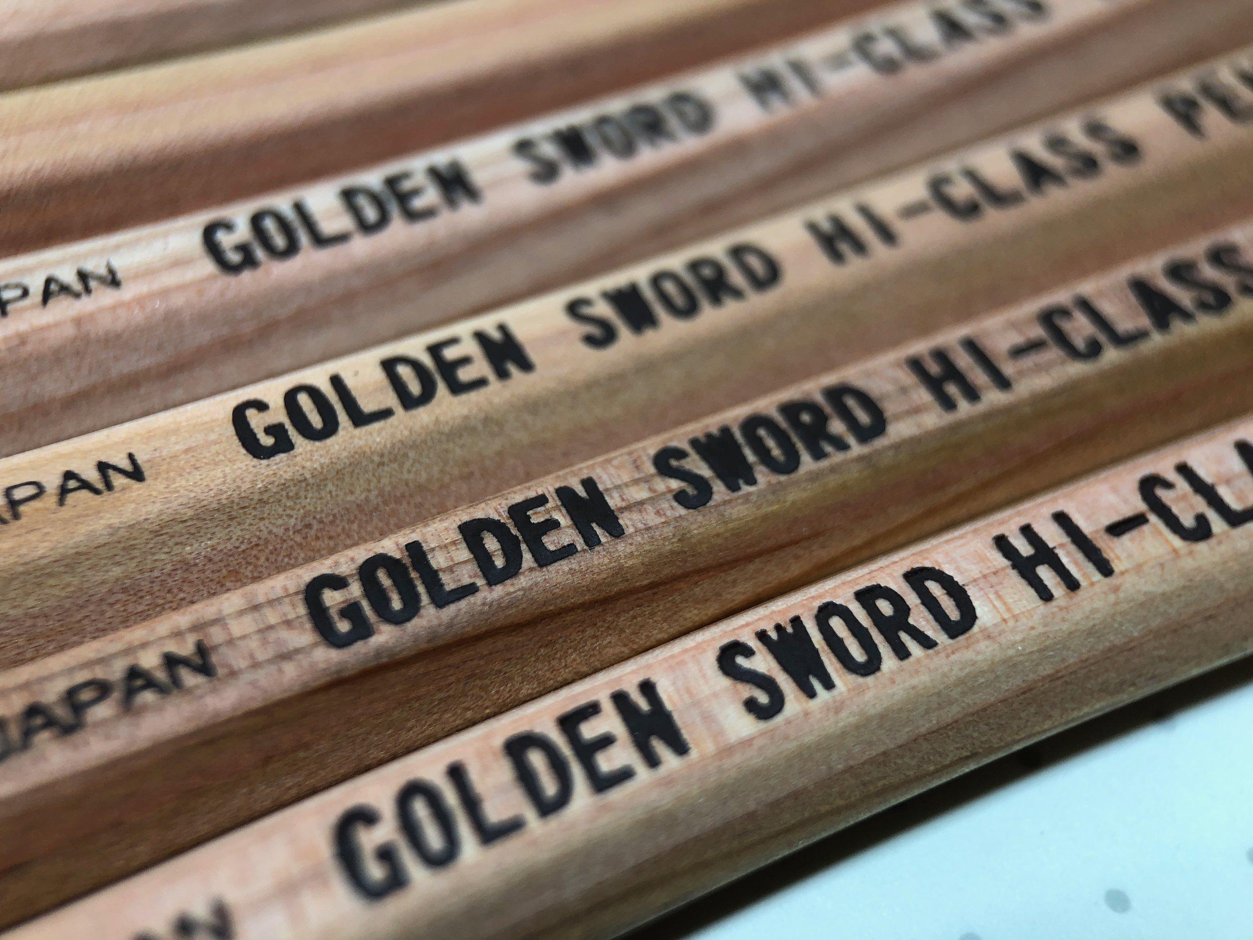 daiso-golden-sword-pencil-13.jpg