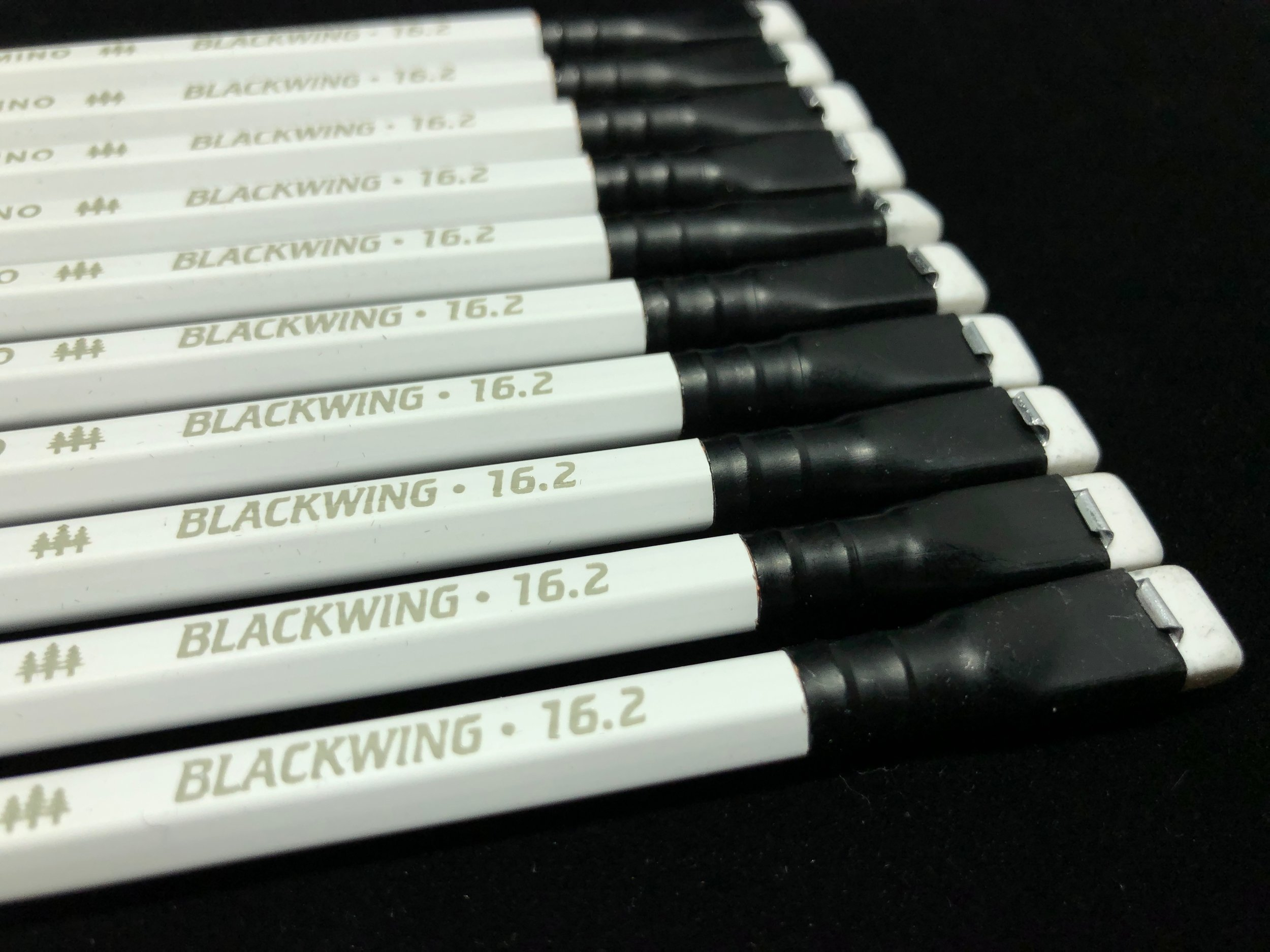 blackwing-16_2-pencil-13.jpg