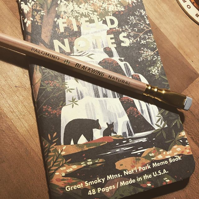 I ended up picking the @fieldnotesbrand Great Smoky Mtns. Nat'l Park book. Pairs well with the @blackwing Natural I'm using, I like the cute baby bear, and it's a favorite of my mom's and where she wants me to spread her ashes. #fieldnotes #59parks #blackwing #stationery