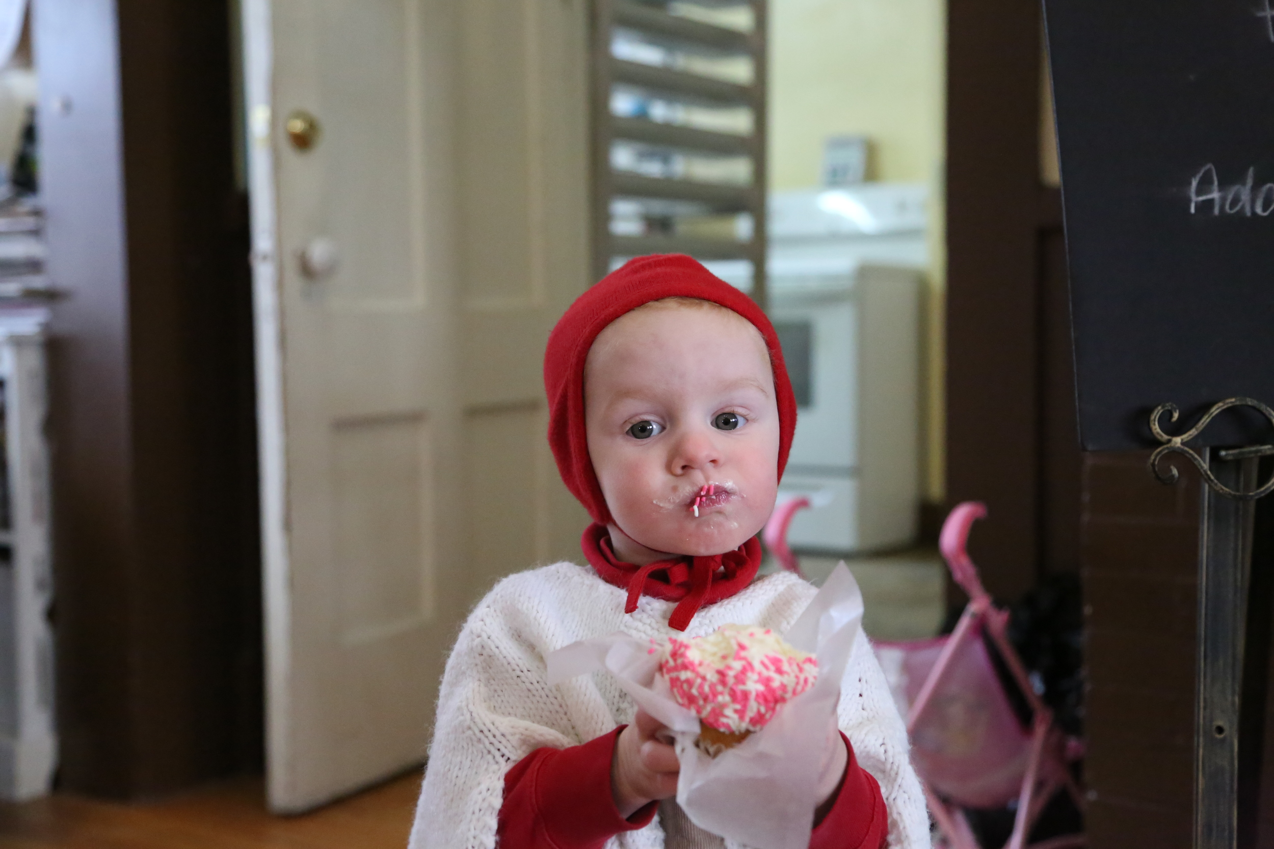 "Gracy.  Say Cupcake face.  ""Cuffcay fafe?"""
