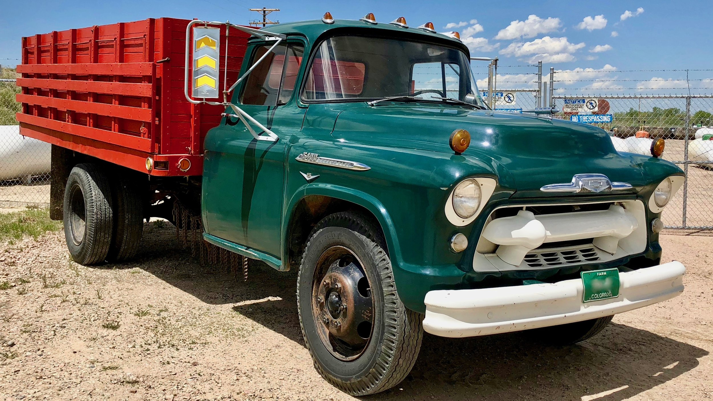 hi-test-motor-show-49-1956-Chevrolet-6400-Truck.jpg