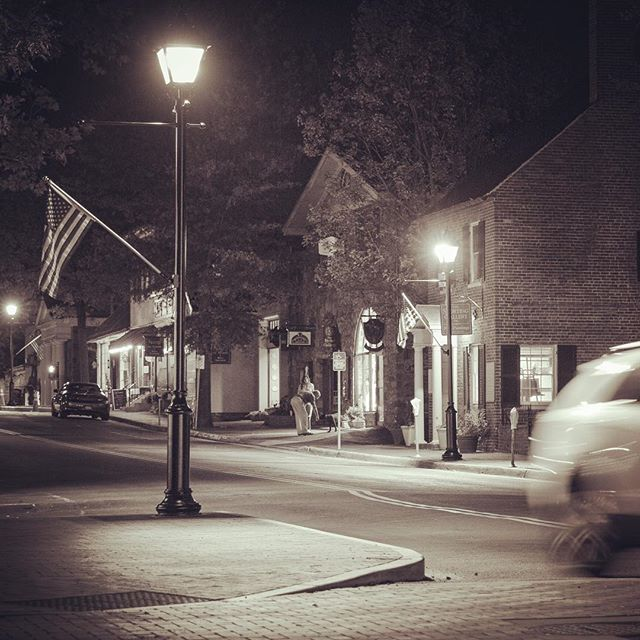 Downtown #middleburg @ night. #middleburgva #middleburgmoment #canon7d #bwphoto