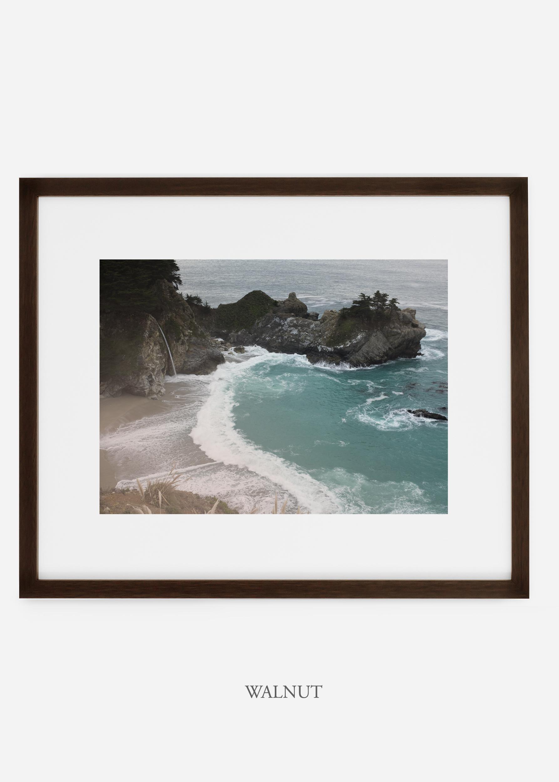 WilderCalifornia_walnutframe_interiordesign_oceanprint_BigSurNo.1.jpg