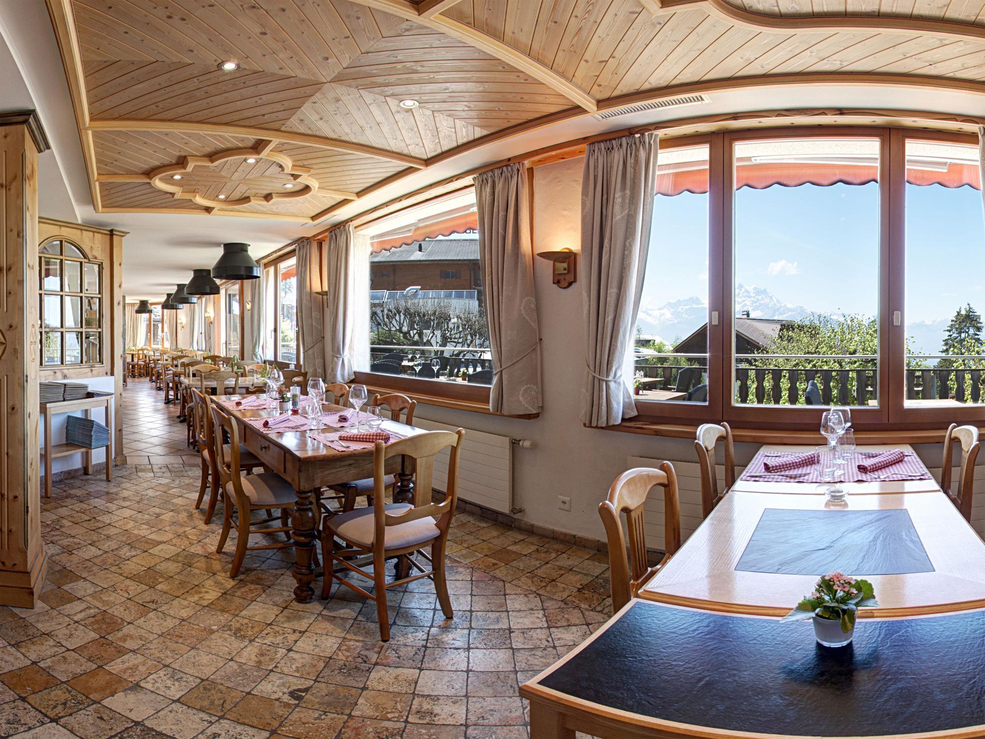 Alpe Fleuri restaurant.jpg