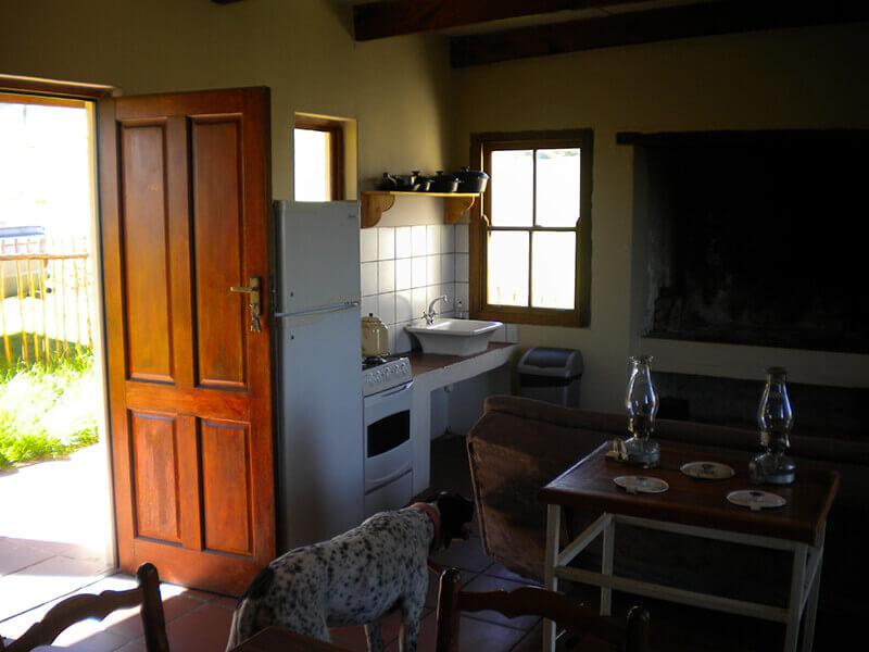 Woodys_interior_living_room_2.jpg