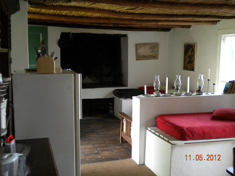 Woodys_interior_living_room.jpg
