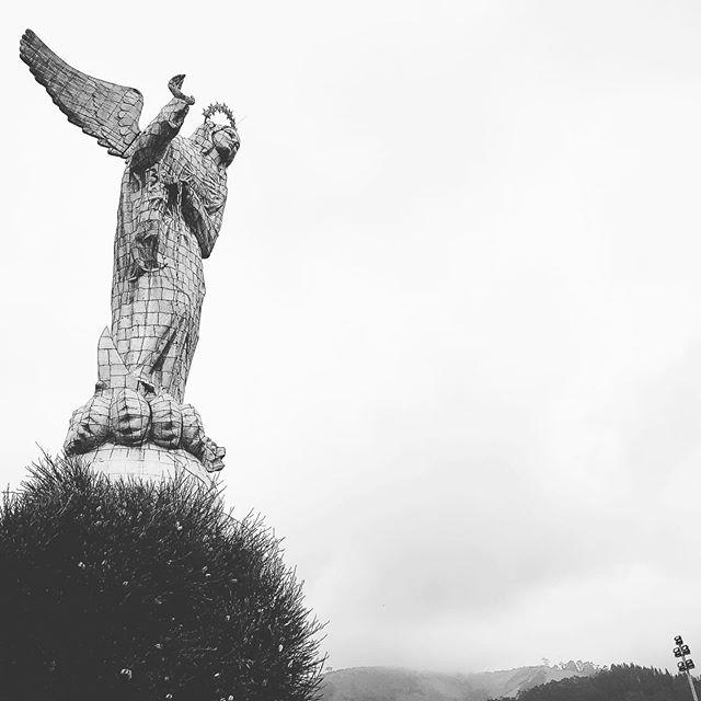 El Panecillo #quito #ecuador #elpanecillo #virgen