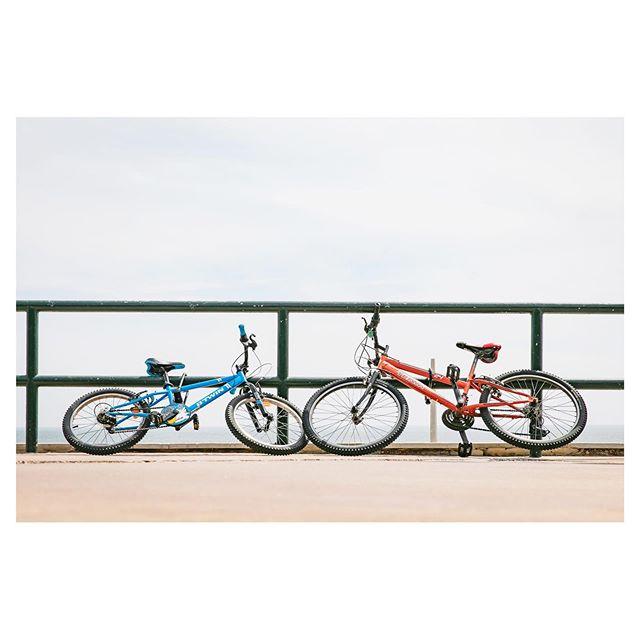 Beach Bikes Batch #portugal #bikes on the #atlanticcoast #carcavelos
