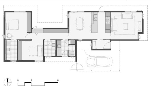 Floor plan of the Stray Leaf house showing the majority of the northern facade is wall rather than glass.