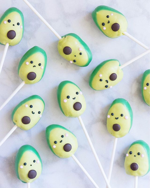 In honor of #nationalavocadoday, here's a throwback to some cute avocado cake pops I made for a baby shower! 🥑💚