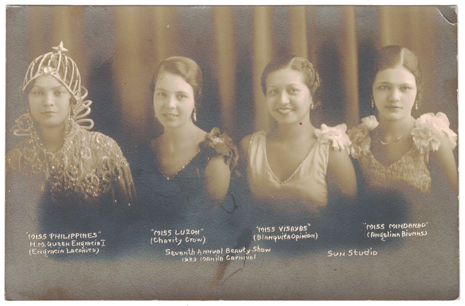 1933 Manila Carnival, the court of Queen Engracia I. From the collection of Mario Feir Filipiniana Library.
