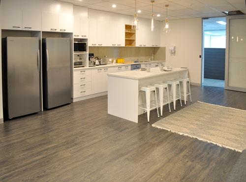 0106-kitchen1-ws.jpg
