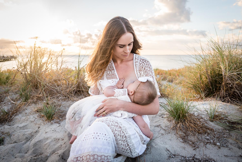 Perth-Motherhood-Breastfeeding-Photography-Beach.jpg
