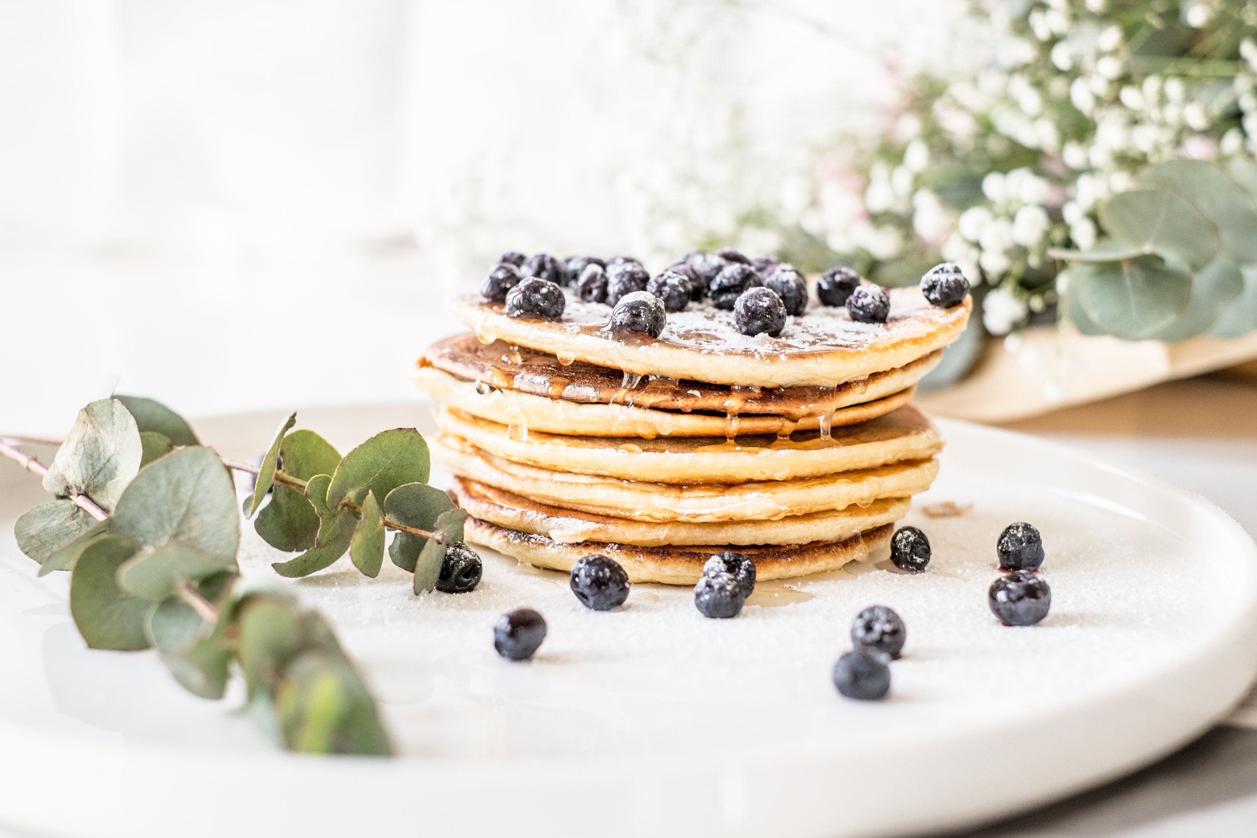 Nordic Honey_Pancakes with Honey and Blueberries_1.jpg