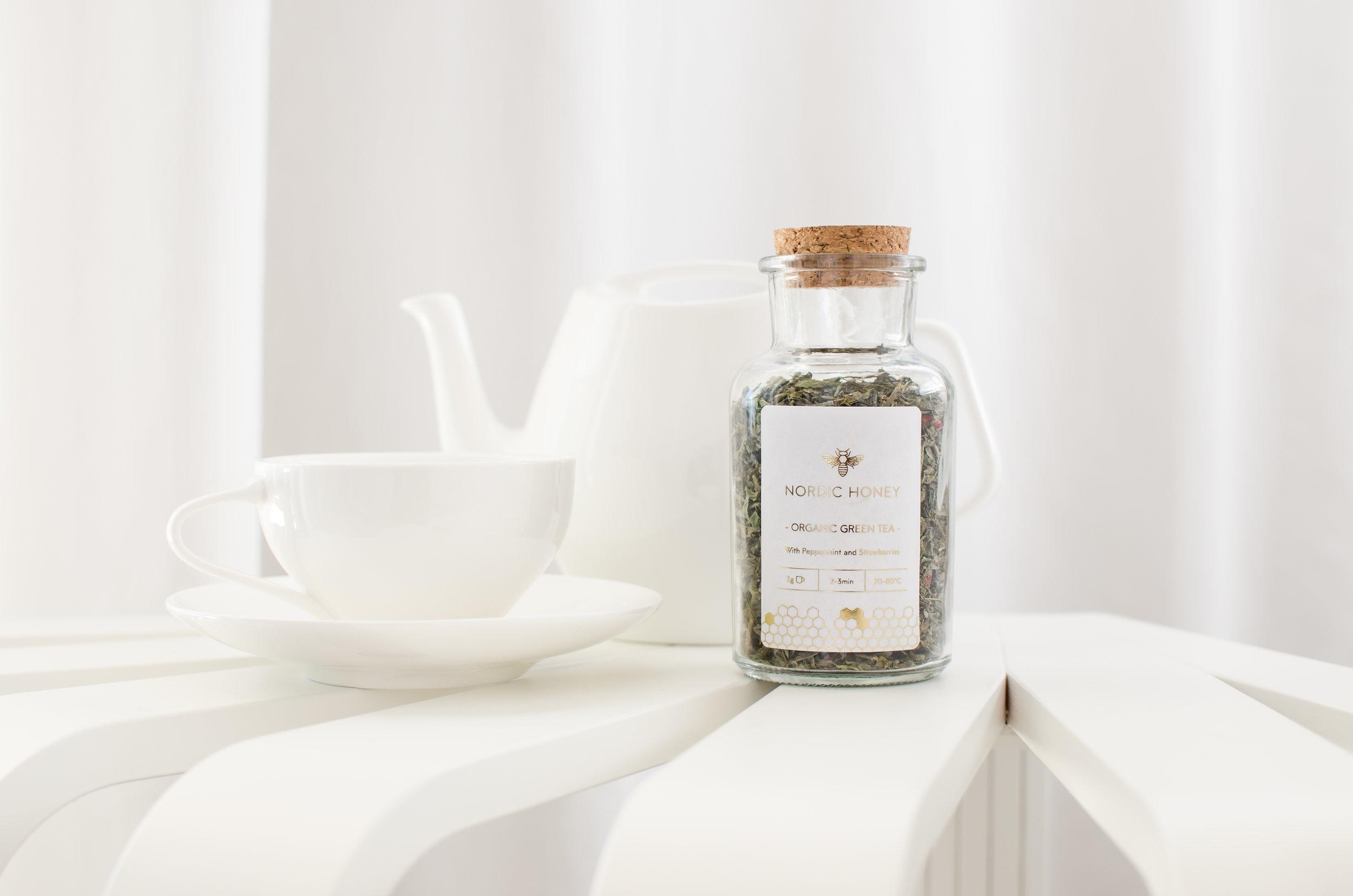 Nordic Honey_Health Benefits of Green tea_Green Tea with Peppermint & Strawberries_jar with cork.jpg