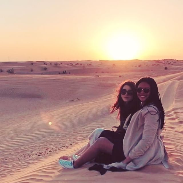 As @watermelondorp put it: Two angels, one desert 🐪 🤷🏻♀️
