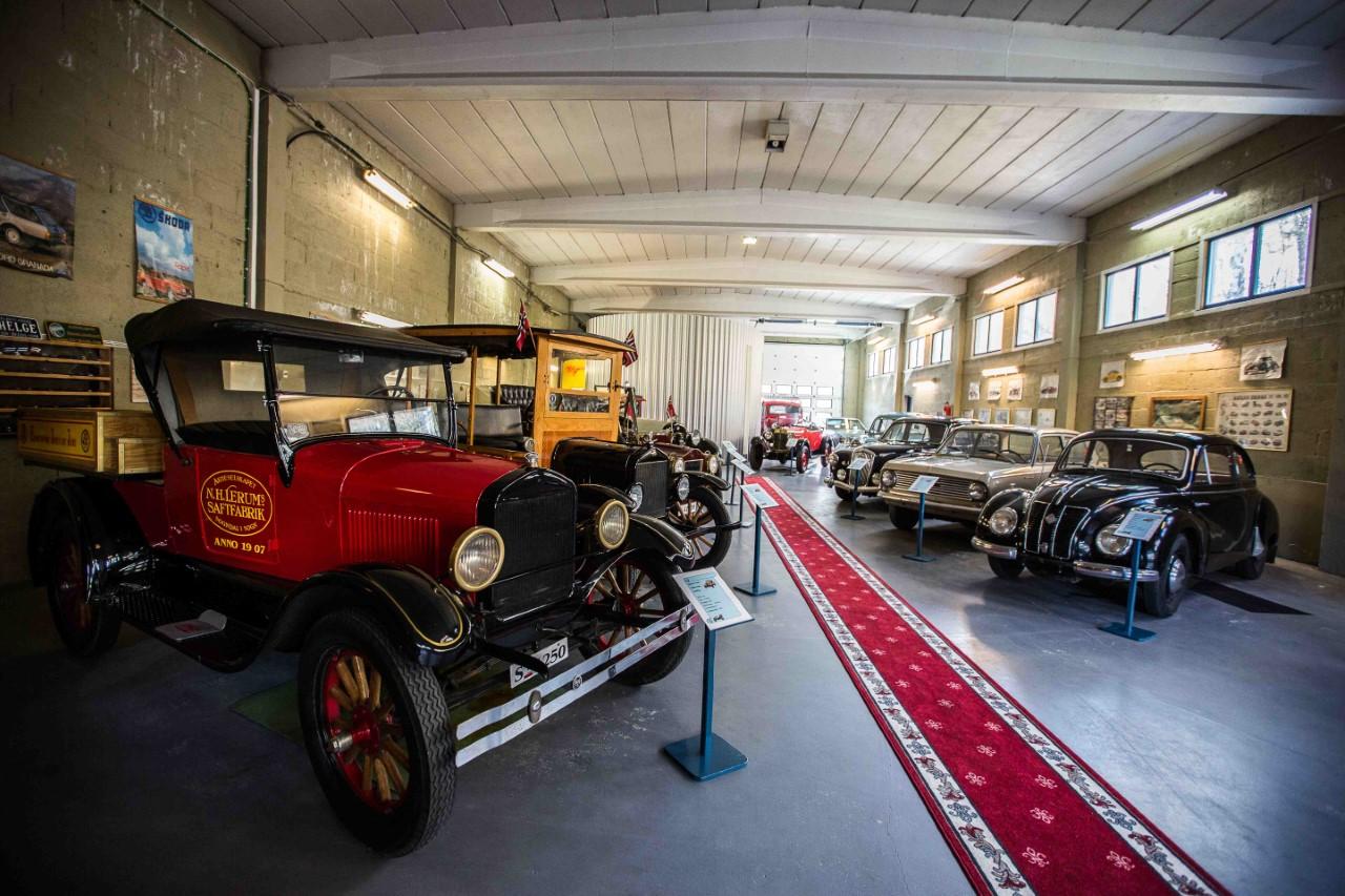 thumbnail_nettside om bilmuseum omvising ..jpg