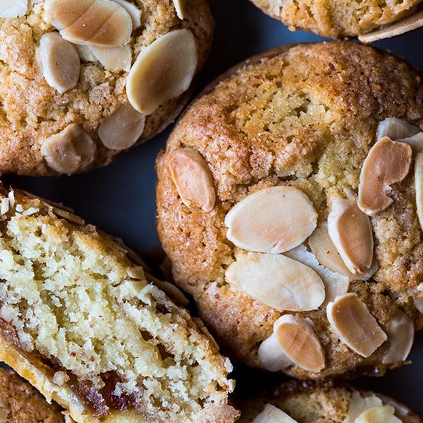Bakewell Tart  Crisp pastry, fluffy frangipane, bakery jam.
