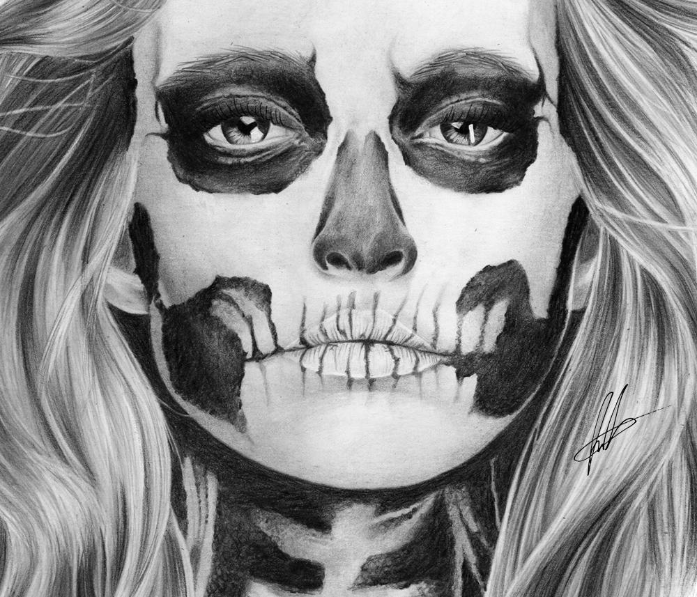 laura-eddy-drawing-skull-girl-closeup-01.jpg