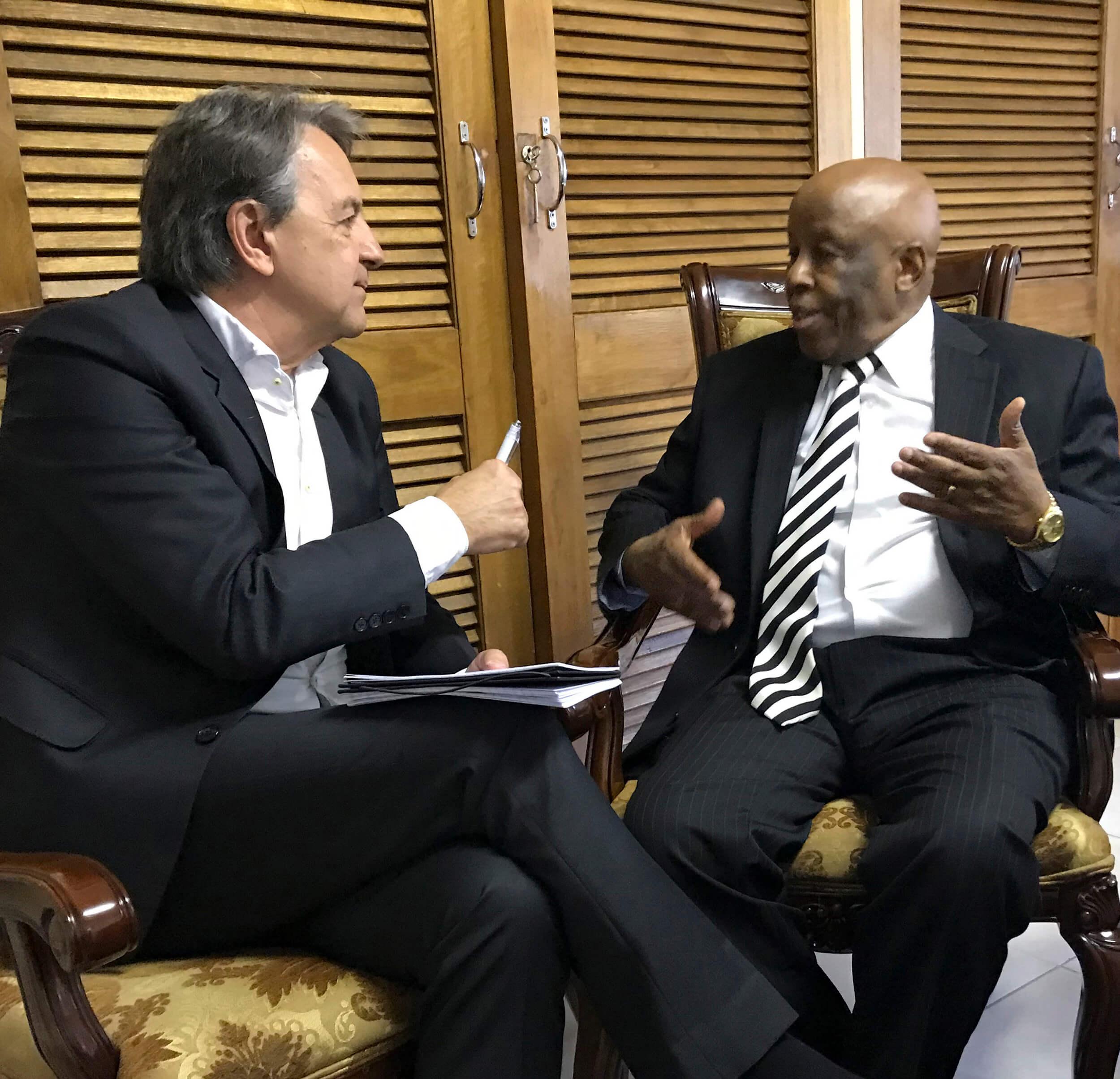 Donald Boström intervjuar Botswanas tidigare President Festus Mogae.