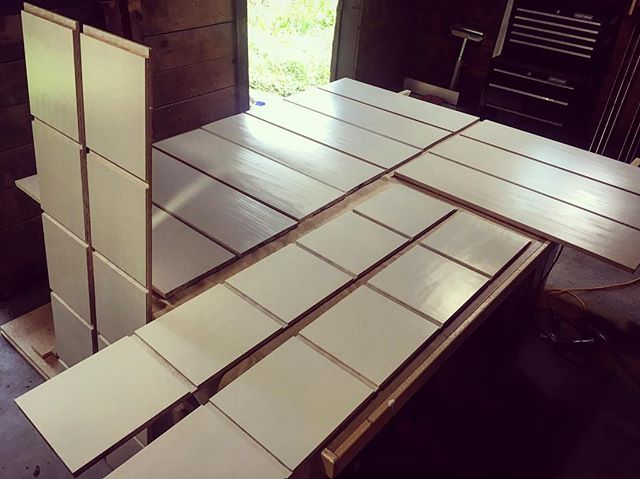 Dados and shelves and dados and shelves. And white. And more white. But white made easy by @gracopaintsprayers. #woodworking #carpentry #handmade #shelves #custom #gracopaintsprayers