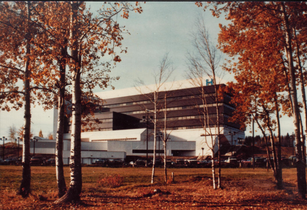 Fort McMurray Hospital, Fort McMurray, AB   (Brian Edwards Architect)