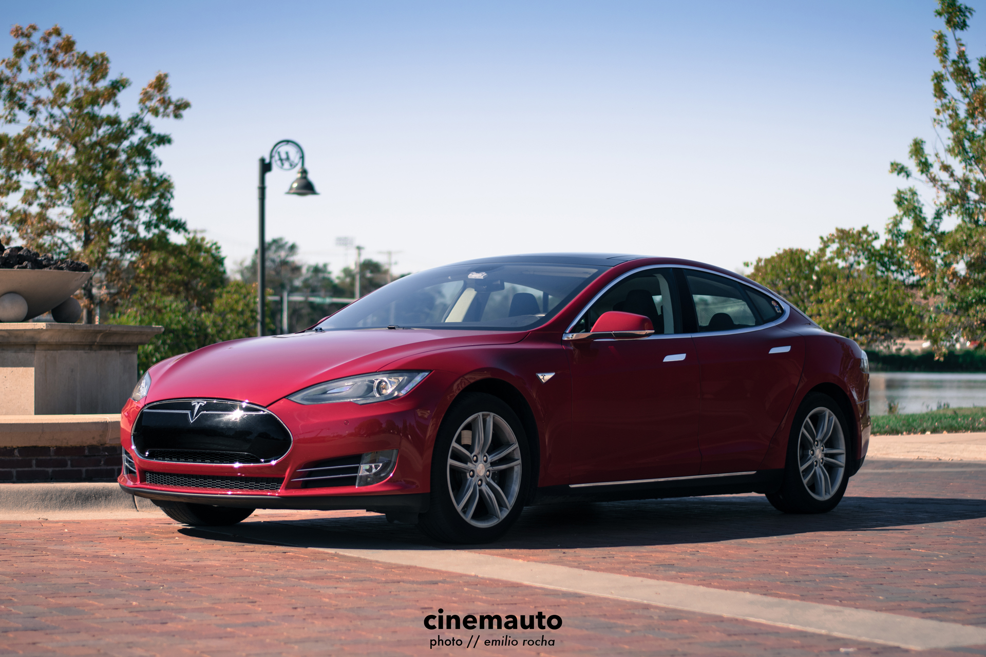 TeslaCinemauto-2.jpg