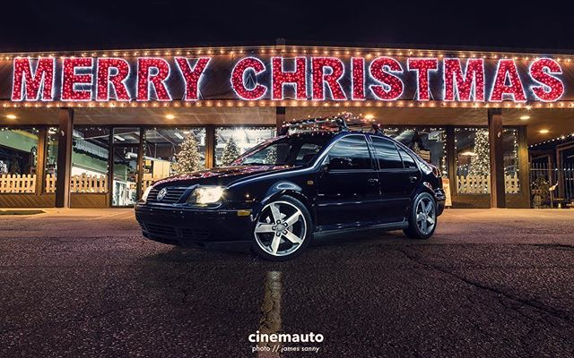 Merry Christmas & Happy Holidays! // 📷 @jamessanny // #cinemauto