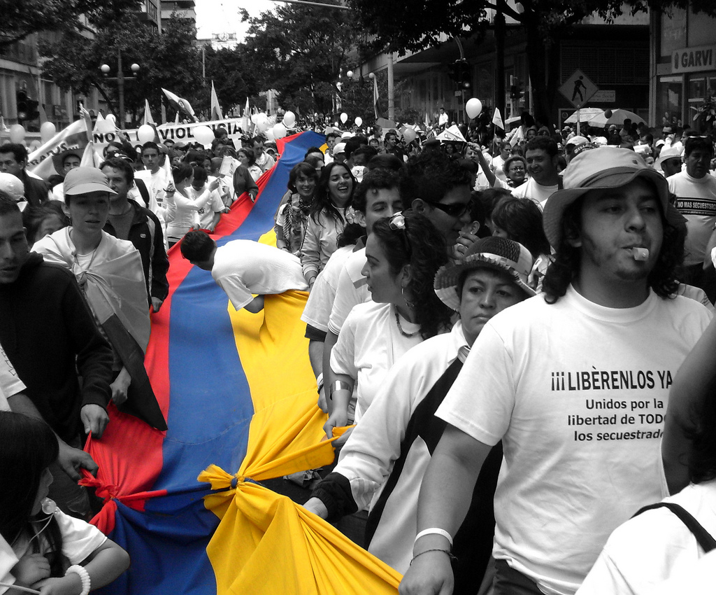 Millions of Colombians marching for the freedom of the people kidnapped by the FARC and the ELN. Source:  Marco Suárez