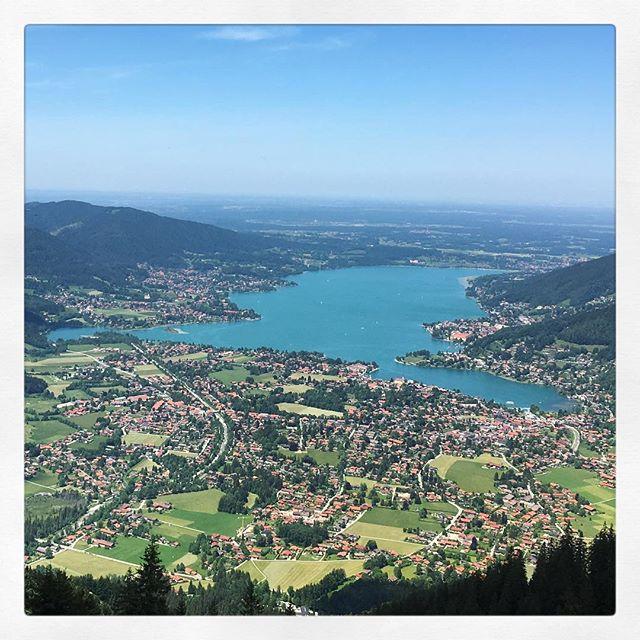 Tegernsee - dreamy perfection. #laketegernsee #tegernsee #tegernseerbräustüberl #bavaria #bayern #sommerzeit #sarettatravel #sarettajewellery