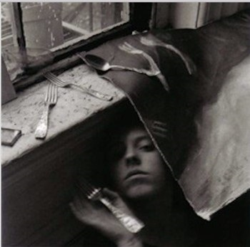 francesca-woodman-it-must-be-time-for-lunch-now.jpg