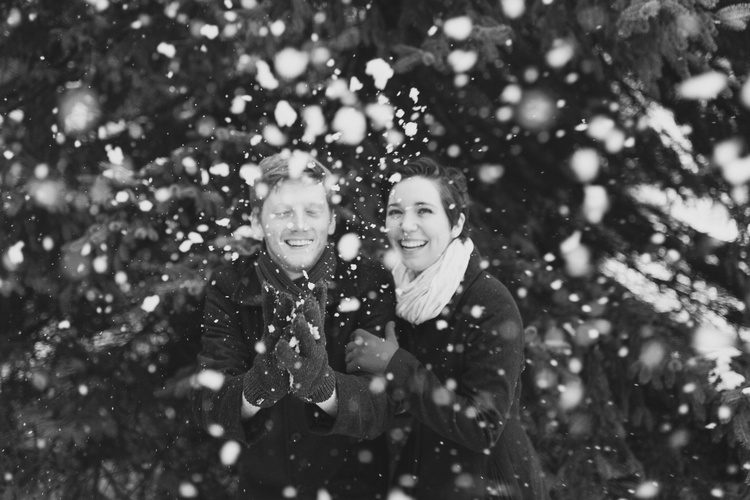Snowy+Engagement+Session.jpg