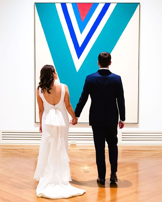 Life imitates art. I didn't pose Dana and Brian for this photo. This is how they naturally walked into the room — their bodies perfectly aligned with the painting! If you wait for it the magic will unfold, you just have to be looking 💙